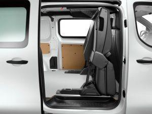 Peugeot Expert und Citroen Jumpy: 2. Sitzreihe nun klappbar