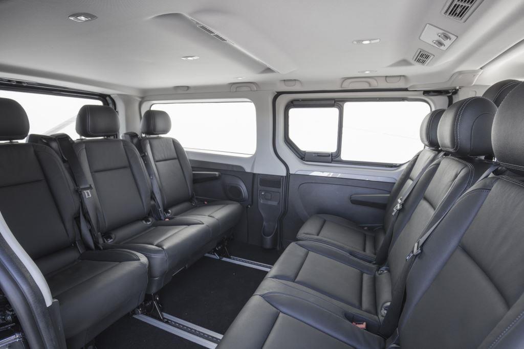 renault trafic combi im test 2018 der pragmatiker unter den kleinbussen. Black Bedroom Furniture Sets. Home Design Ideas