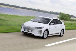 Hyundai Ioniq Elektro im Test (2018): Krönt der Elektromotor das alternative Ioniq-Antriebstrio?