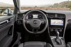 vw-golf-variant-innen