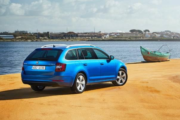 skoda octavia combi 1 5l g tec 2019 im test wie gut ist. Black Bedroom Furniture Sets. Home Design Ideas