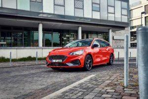 Ford Focus: Erste Bilder des neuen ST Turnier