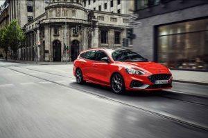 Ford Focus ST Turnier 2019 im Test: der Kompakt-Kombi als spritziger Sportwagen
