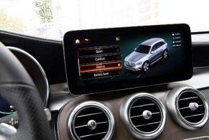 mercedes-glc-plug-in-hybrid-2020-innen-display