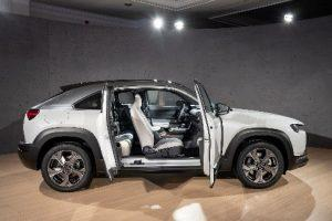 Mazda MX-30 2020 im Test: So fährt sich Mazdas neues Kompakt-SUV & erstes Elektroauto
