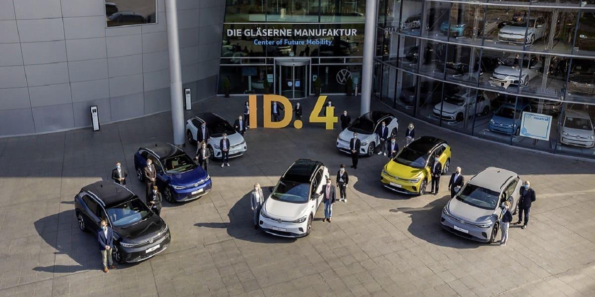 VW ID.4: Erste Kunden erhalten ihre Fahrzeuge