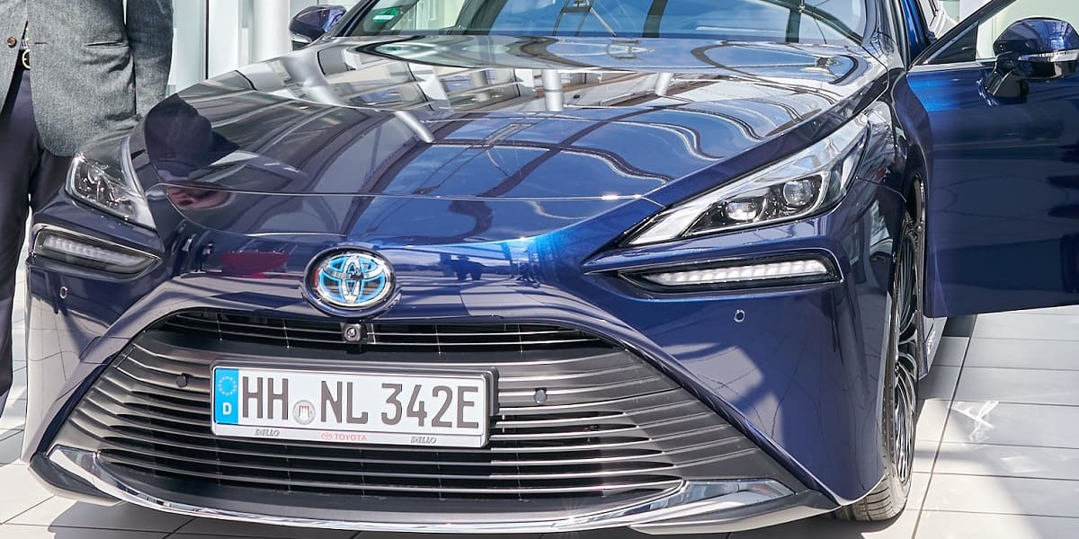 Toyota Mirai: Zweite Generation überzeugt mit kompakter Brennstoffzelle