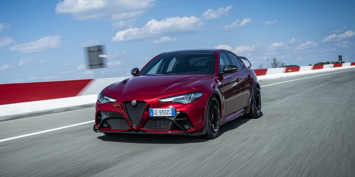 Alfa Romeo Giulia GTA: Rückkehr einer Rennlegende