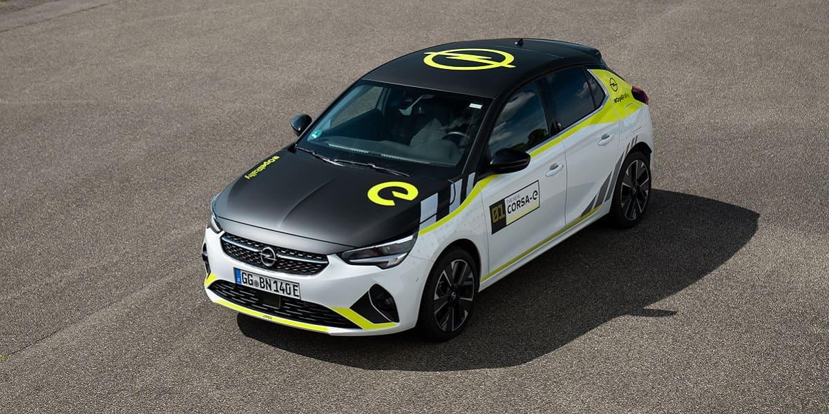 Es (k)lebe der Sport: Rennstreifen für den Opel Corsa-e