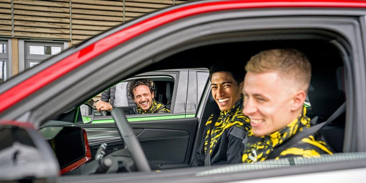 """BVB-Stars im Opel Mokka: """"Nicht trinken – fahren!"""""""