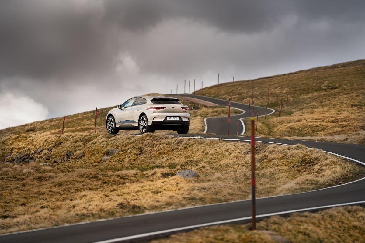 Jaguar I-Pace: Der elektrische SUV, der Berge erklimmt