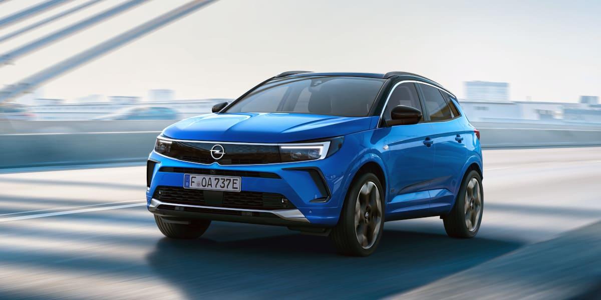 Opel Grandland mit neuem Markengesicht
