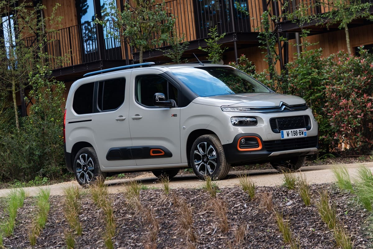 Alternativen des Citroen Berlingo im Test: VW Caddy, Ford Tourneo Connect und Dacia Lodgy