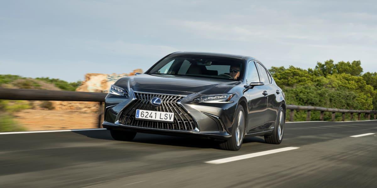 Lexus ES 300h: Grenzen des Limousinendesigns neu ausgelotet
